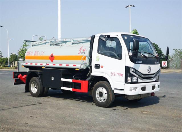 转让大量工地用东风5吨8吨10吨油罐车厂家低价大促销