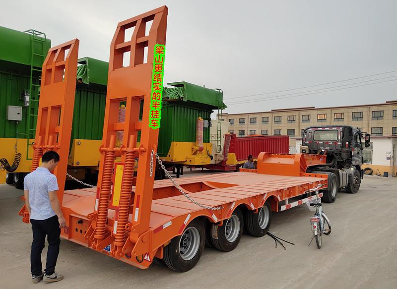 专业订做13米购机板半挂车 挖掘机运输宁夏直销