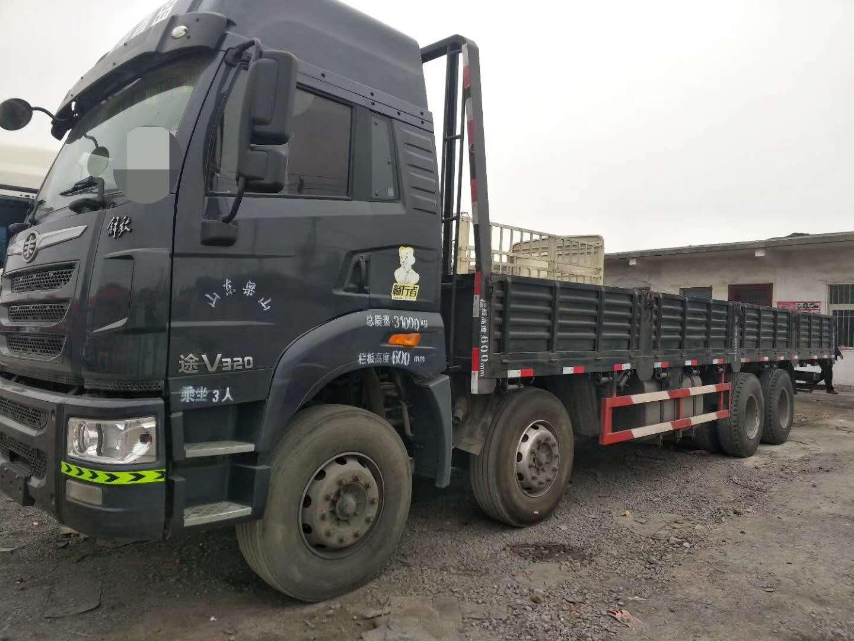 出售二手18年欧曼解放9.6米平板货车国五可按揭