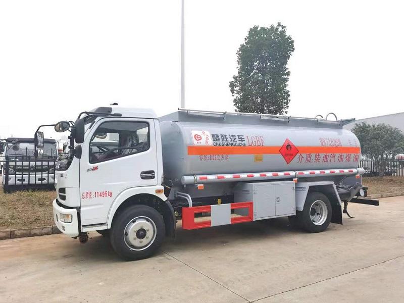 东风5吨加油车厂家直销 手续齐全 5吨工地加油车