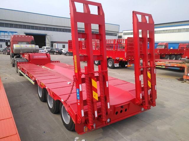 13米鉤機板 運輸車二手車