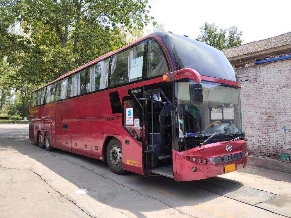 15年51座海格 二手大巴車