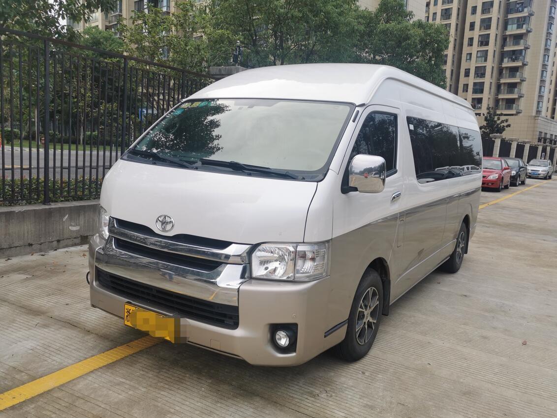 宁波13座进口丰田海狮客车二手车