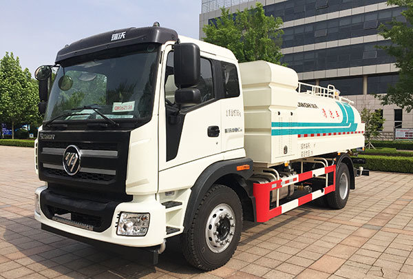 福田时代新开发国五柴油动力10方洒水车