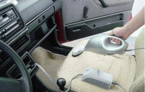 人人车提醒:选购车载吸尘器的注意事项
