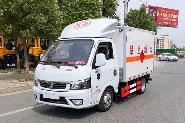 國六東風途逸3.1米易燃氣體廂式運輸車價格在哪買多少錢一輛