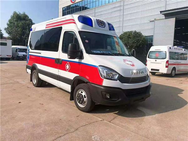 国六新型救护车厂家热线-依维柯负压救护车特价直销-现在购车直降5000