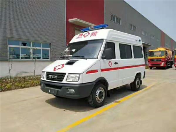 依维柯救护车对比上汽大通高顶长轴负压救护车哪款性价比高