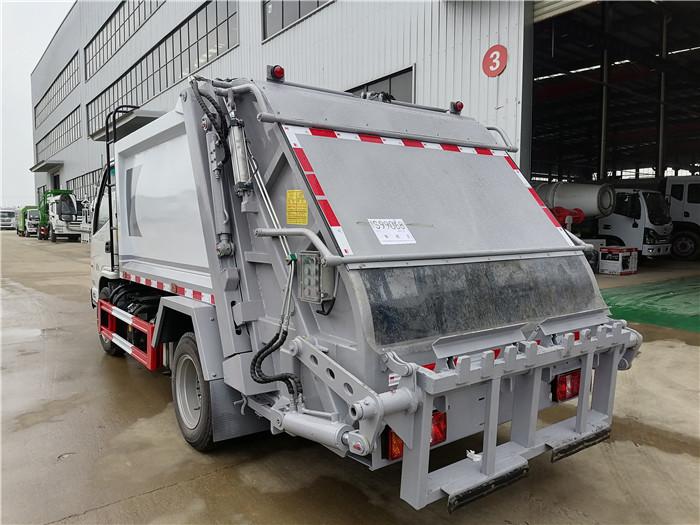后裝式壓縮垃圾車_能下地下室的壓縮垃圾車_分期買車更快捷