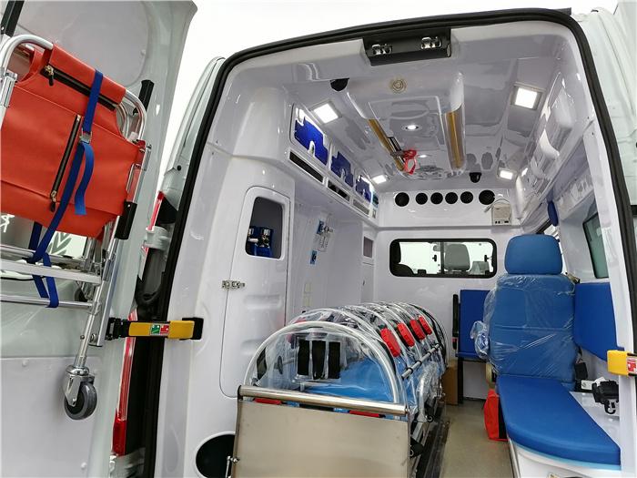 方艙救護車_福特進口四驅救護車_廠家在哪里