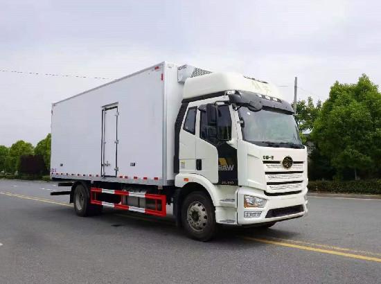 国六解放J6L高顶双卧6米8冷藏车价格_6.8米解放J6L冷藏车厂家_参数_配置_图片
