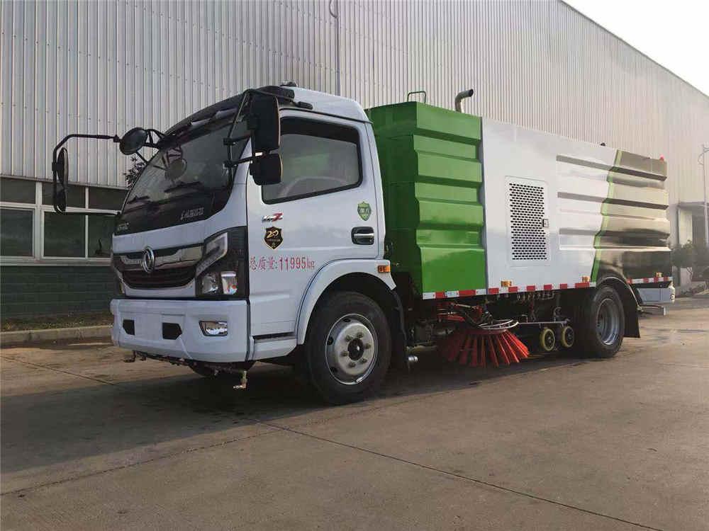 国六东风多利卡路面洗扫车