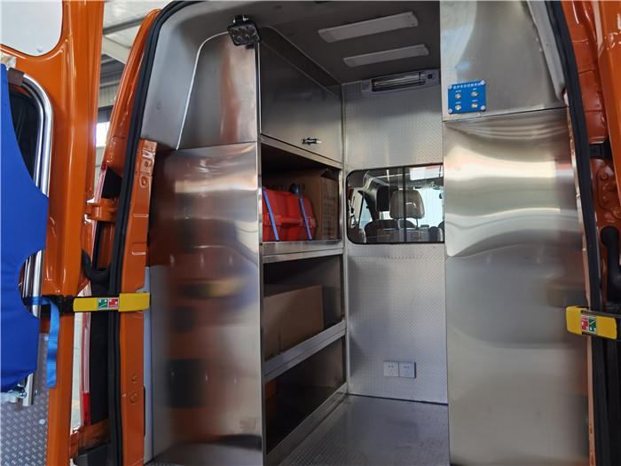 鹽城市政管網工程搶險救援車_福特加長軸氣防救援車報價