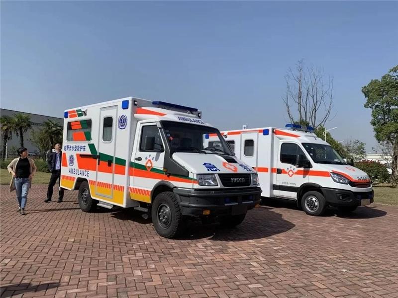 国六依维柯方舱抢救监护型救护车