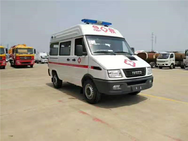 国六依维柯负压救护车价格-新款长轴高顶急救车配置大全