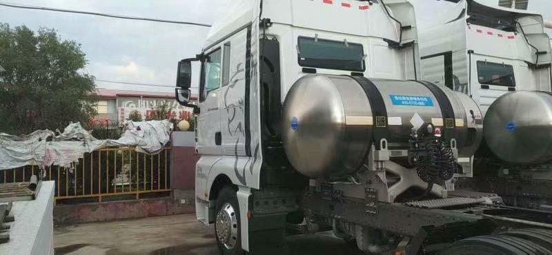 汕德卡天然气国六牵引车,汕德卡440马力天然气牵引车,带四方位