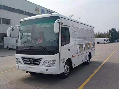 东风中巴式蓝牌4.2米鸡苗鸭苗鹅苗运输车