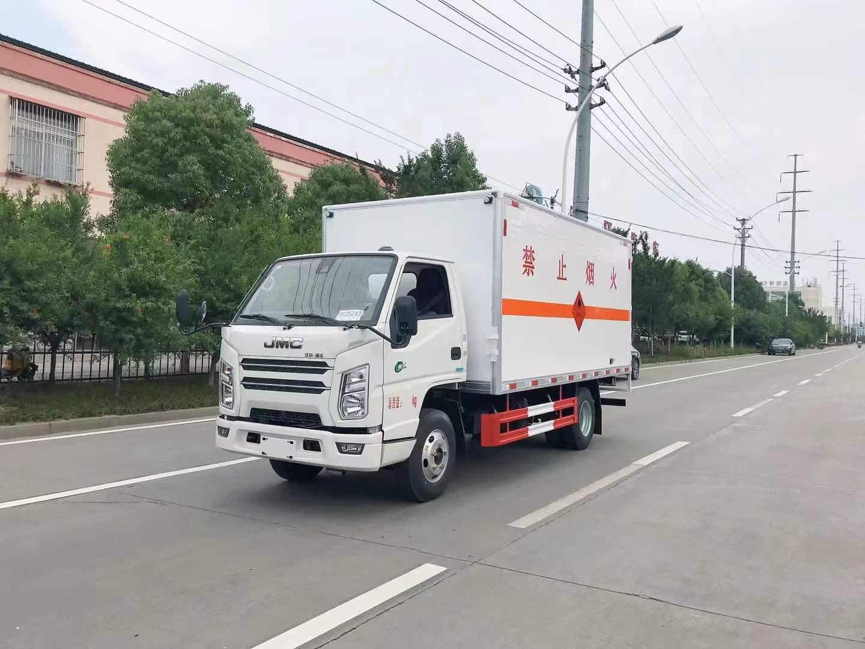 國六江鈴順達窄體4米2易燃氣體廂式運輸車