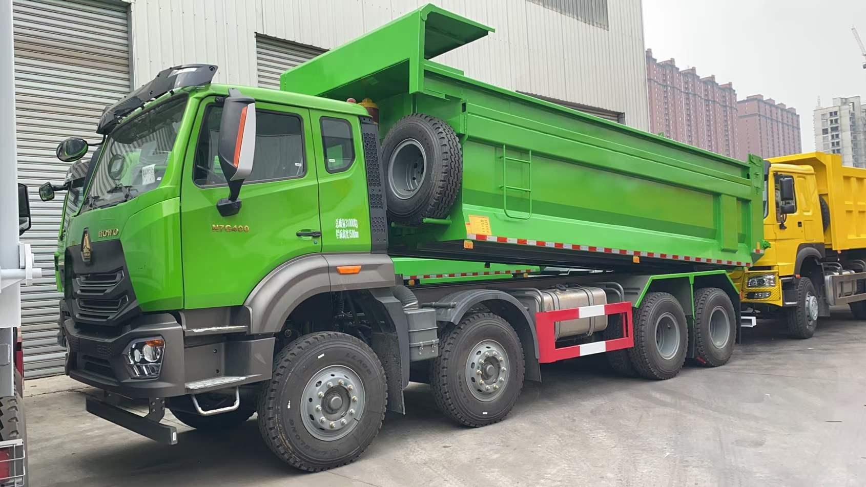 中國重汽卡車豪瀚前四后八6.5米自卸車曼機440馬力