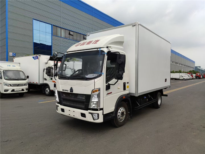 重汽豪沃小金牛4米冷藏車(國六藍牌)