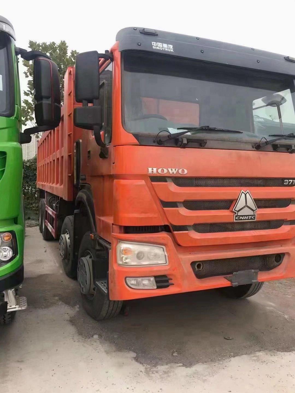 中国重汽出口版右置8*4欧二371马力自卸车大处理