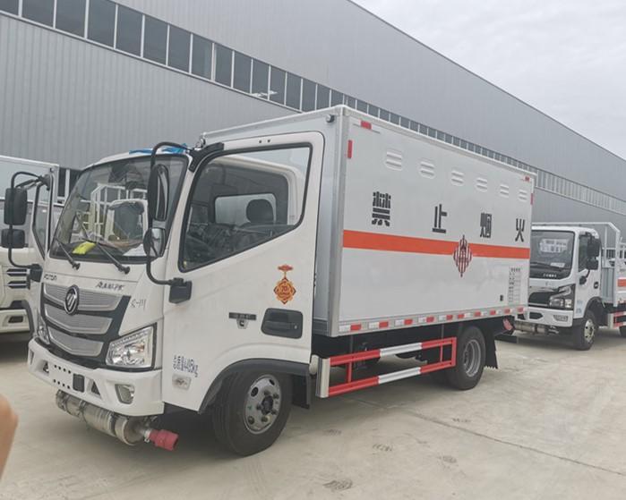 國六福田歐馬可4米2易燃固體廂式運輸車