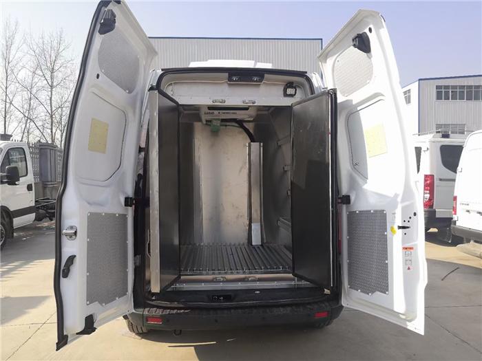 疫苗冷链车图片_疾控疫苗配送车_福特汽油手动2.0T_疫苗运输车厂家在哪里