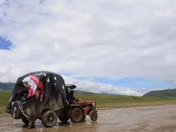 奇葩的旅行:开着五征拖拉机去西藏
