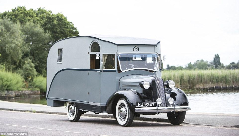 英国首辆房车即将接受拍卖 穿越80年尘封历史