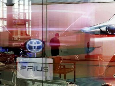 丰田因停车制动问题 全球召回34万辆普锐斯