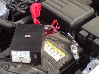 """十一长假归来给汽车蓄电池做个""""体检""""去"""