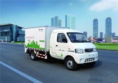 宇通纯电动密闭式桶装垃圾车:有效保障垃圾收运全密闭