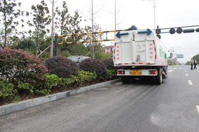服务G20峰会的扫路神器 开进杭州空港经济区