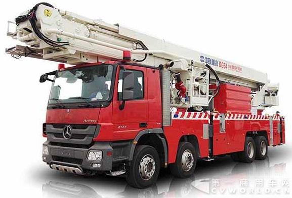 54米登高平台消防车亮相 进驻安仁大队投入执勤备战投入执勤