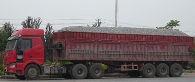广州10月查处超限超载车辆 其中四成是外省籍