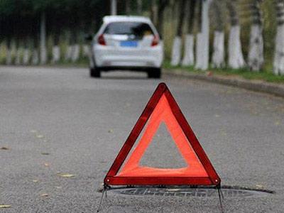 正确三角警示牌放置距离是多远?
