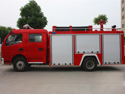 3吨5吨6吨8吨10吨15吨18吨20吨泡沫,水罐消防车厂家直销