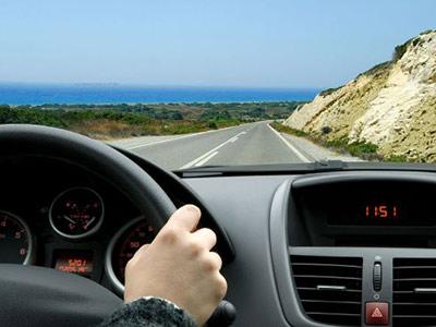 开车时常犯的这几种致命错误 人人车提醒您安全驾驶