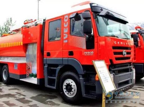 【变形金刚】红岩杰狮消防车,用心守护人民的消防安全