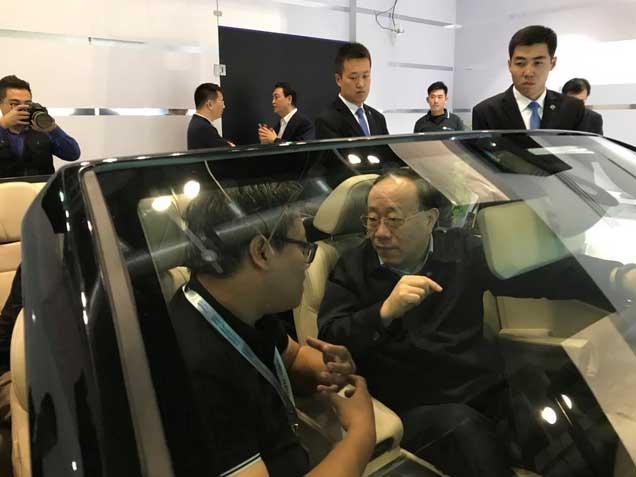 商务部副部长王炳南 盛赞全新红旗H7展车