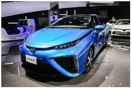 """在新能源航线上,丰田是""""逐浪.."""
