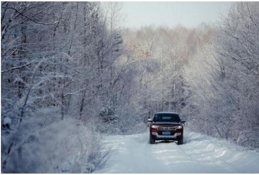 雪地行驶 福特撼路者带你看最美雾凇