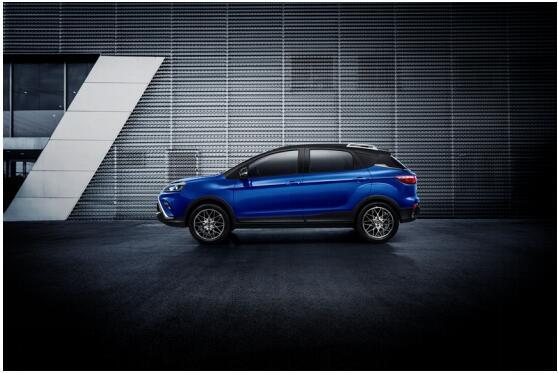新能源悍将又至 新派纯电SUV云度π3即将穿越上市