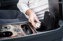 宾利添越车系引入生物信息识别安全储物格