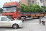 货车司机接连遭遇碰瓷作案团伙竟是...