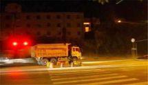 为啥渣土车晚上疯狂闯红灯?原因在这里