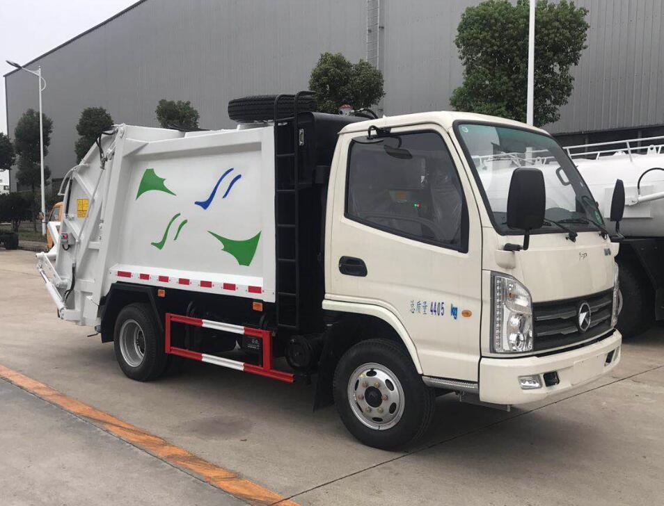 时尚经典的凯马福运来压缩式垃圾车得到广西桂林客户的一见倾心