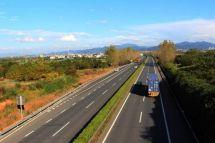 分车型限速大货车将不再是公路杀手