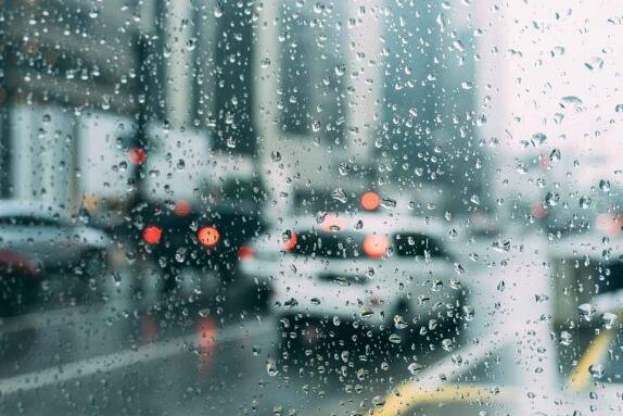 无惧风雨 CROSSLEADER安全轮胎助你顺利通行