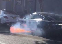 特斯拉又出事故:美国洛杉矶特斯拉ModelS车辆自燃起火